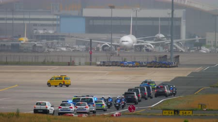 oficial : Governmental cortege in Frankfurt airport