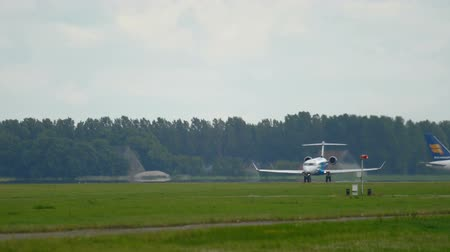аэробус : LOT Bombardier CRJ-900 take-off