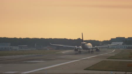 lufthansa : Airplane landing at the early morning