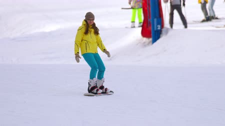 snowbord : Snowboarding in the winter resort