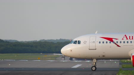 austrian : Airplane taxiing to the start
