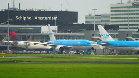 tow : Airplane KLM Boeing 777 towing Stock Footage