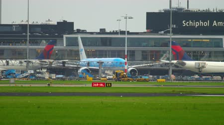 ams : Airplane taxiing before departure
