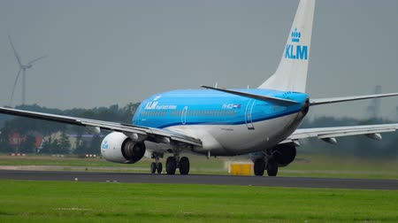ams : KLM Boeing 737 accelerate before departure