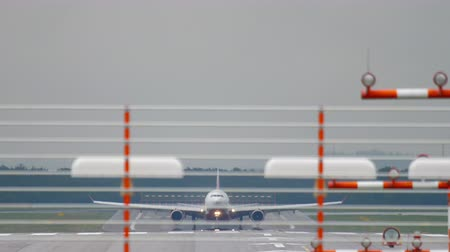 dusseldorf : Widebody airplane braking after landing