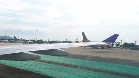 kolejka : International Phuket Airport