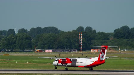 lowcost : Airberlin Bombardier Dash 400 departure