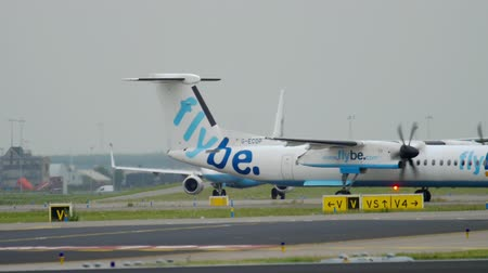 géiser : Bombardier Dash 8 Q400 Flybe taxiing