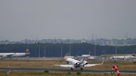 gêmeo : Business Jet landing in Frankfurt