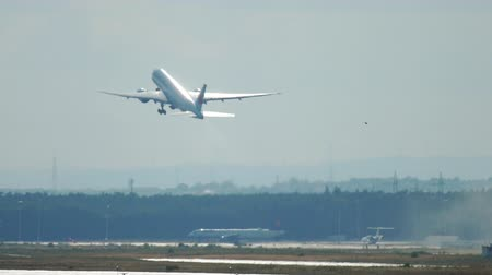 fraport : Air Canada Boeing 777 departure