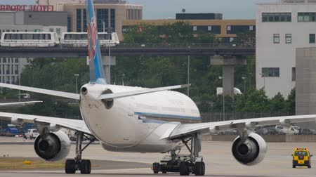 germania : Atterraggio di China Southern Cargo Boeing 777