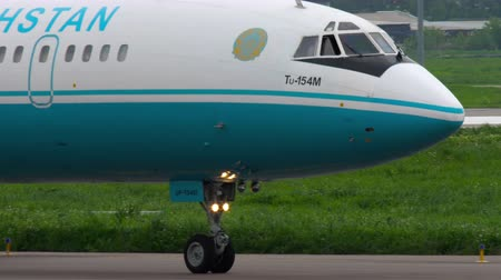 lights up : Kazakhstan Tupolev 154 taxiing
