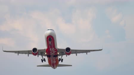 lowcost : Airbus A320 AirBerlin departure Stock Footage
