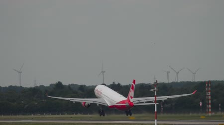 dusseldorf : Airberlin Airbus 330 take-off