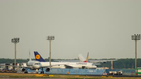 fraport : Asiana Airbus 380 take-off