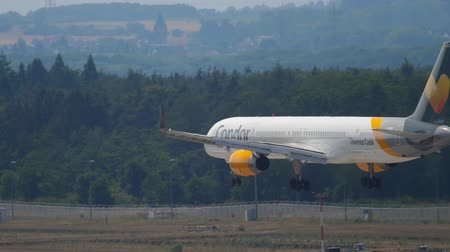 fraport : Condor Boeing 757 approaching