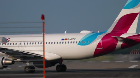 lowcost : Airplane taxiing to the start
