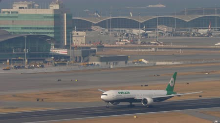 comando : EVA Air Boeing 777 departure from Hong Kong