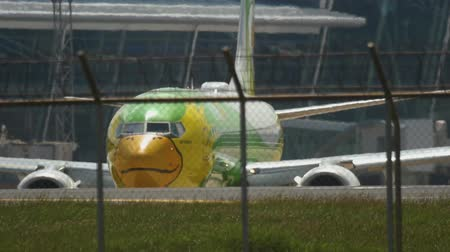 NOK Air Boeing 737 en rodaje Archivo de Video