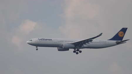 francfort : Lufthansa Airbus 330 approche