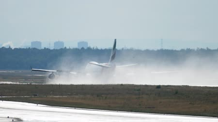 Airfreighter landing in Frankfurt