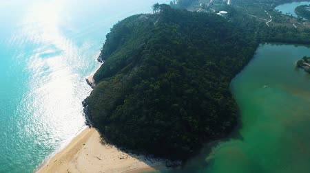 separação : Bubus Hill separates ocean and river Stock Footage