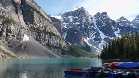 Real time view of Lake Moraine Sunset in Canada 動画素材