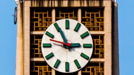 Пекин : The clock on the famous tower in Xidan of Beijing, China