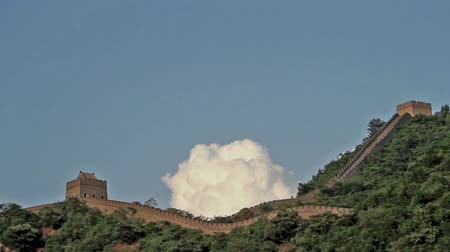 great wall of china : Lovely clouds in Huangyaguan Great Wall in Beijing, China Stock Footage