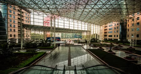 экономика : Chongqing,China-Apr 2,2014: The lobby of the modern building in Chongqing, China Стоковые видеозаписи