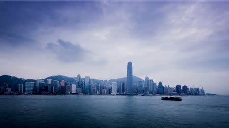 Виктория : Hong Kong,China-Nov 11,2014: The amazing view of Victoria Harbour in Hong Kong,China