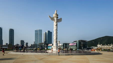 província : Walking around Huabiao in Xinghai Square in Dalian, China