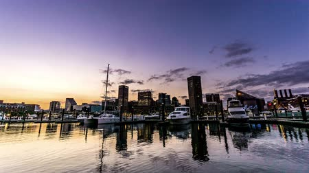binnenstad : From twilight to night,the downtown and Inner Harbor, Baltimore. Timelapse