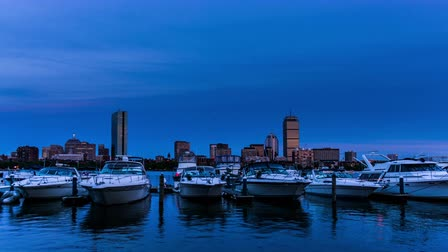 Чарльз : At evening,the private yachts in the Charles River, Boston, USA