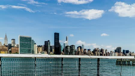 ограждение : In the sunny day, Manhattan skyline, New York City, NY Стоковые видеозаписи