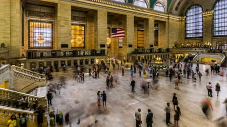 visitatori : Aerial view of Grand Central train station ticket hall in Manhattan, New York City, NY Filmati Stock