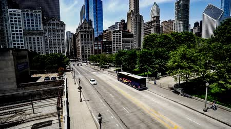 Észak amerika : The buildings and traffic in Chicago downtown