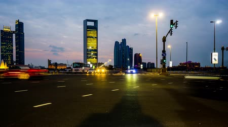 esplêndido : Timelapse of the traffic at corniche west, Abu Dhabi, UAE Stock Footage