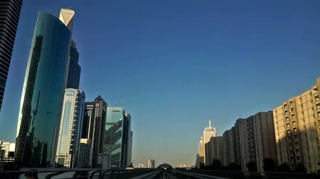 infrastructuur : Modern cityscape view by metro in Dubai, UAE Stockvideo