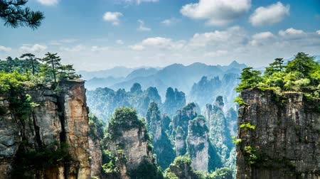 awatar : Timelapse of the cloud floating over peaks in Zhangjiajie national park, China