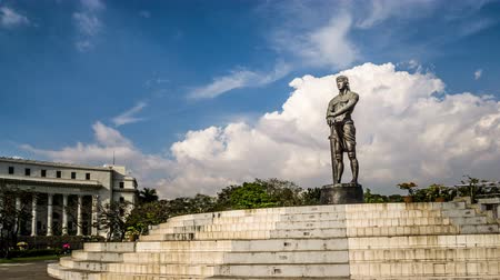 kılıç : Timelapse of the cloud floating above the museum of Manila, Philippines