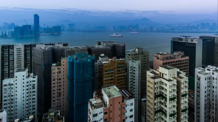 esplêndido : From sunset to night,the splendid view of sea and city, Hong Kong, China Stock Footage