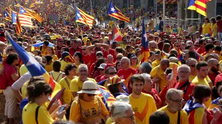 converge : BARCELONA, SPAIN - SEPTEMBER 11, 2014: People at  National Day of Catalonia (Diada Nacional de Catalunya) in Barcelona, Spain