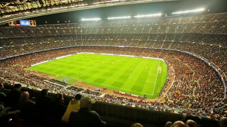 estádio : BARCELONA, SPAIN - NOVEMBER 04, 2015: Above view at field and audience during football game between FC Barcelona and FC BATE Borisov Belarusian on Nou Camp stadium.