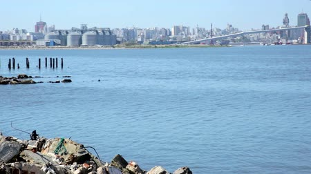 montevideo : Viewing contrasts of port area and surroundings in Montevideo