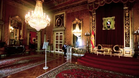cártula : SPAIN, BARCELONA - APRIL 23, 2017: Luxurious interior of the halls and corridors of the Palace of Capitania General in Barcelona Vídeos