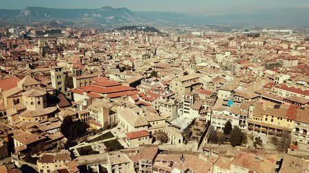 romanesk : Panoramic view of the historical district of Vic with view of mountains, Catalonia, Spain