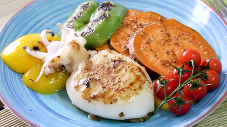 szépia : Tasty grilled sepia and bulgarian pepper served with cherry tomatoes and boiled batat