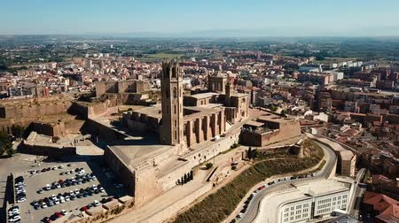 каталонский : LLEIDA, SPAIN - JUNE 20, 2017: View from the cathedral Mary of La Seu Vella