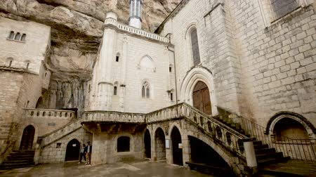 pyreneje : ROCAMADOUR, FRANCE - October 07, 2018: Impressive architectural ensemble of the complex Dostupné videozáznamy